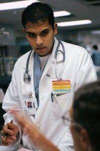 רופאים בלידה