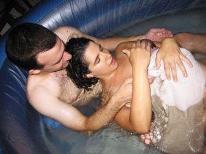 לידה במים