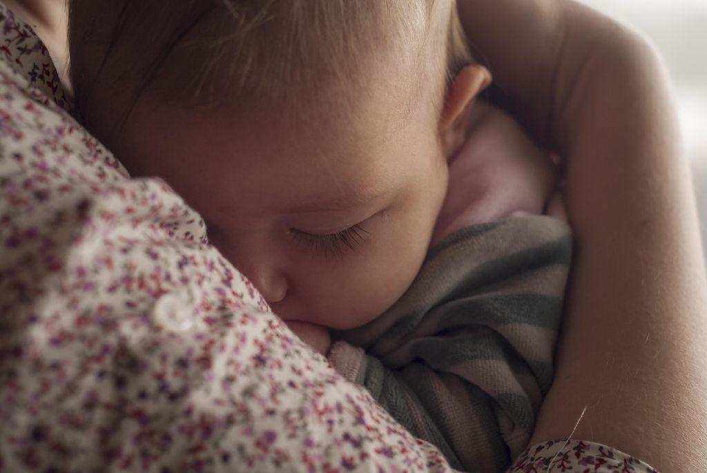 רפלוקס ושנת תינוקות
